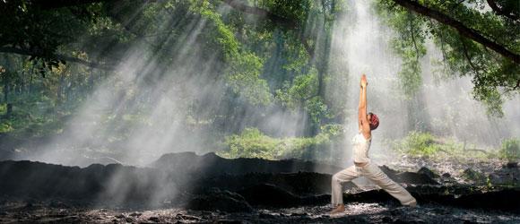 Hata yoga par Deepu pour Infinite Love